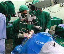 Primera operación ocular con terapia genética