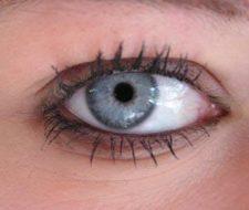 Infecciones oculares causadas por uso de lentes de contacto