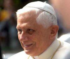Benedicto XVI habla sobre el respeto hacia la vida humana y el rol de la investigación