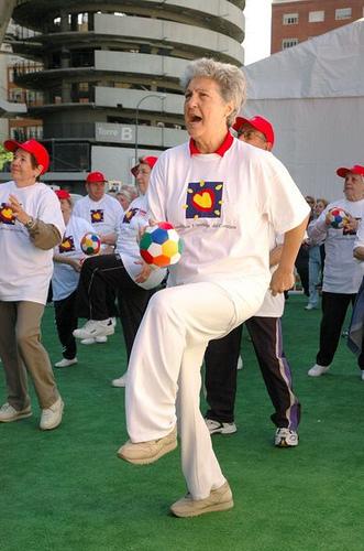 Alimentacion y Ejercicio: Los Mayores Hacen Ejercicio por Fundación Española del Corazón.