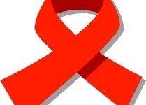 Adultos mayores también corren riesgos de contagiarse de VIH