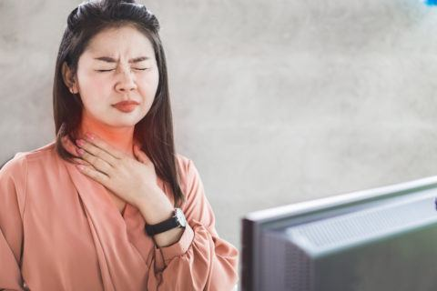 Como combatir la acidez estomacal 2 garganta