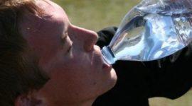Hidratación en el deporte ¿Agua u otros líquidos?