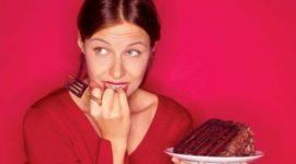Mujeres con hambre compulsiva