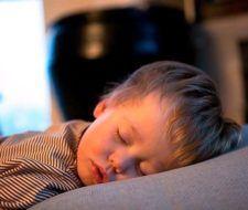 Los beneficios de dormir bien desde niños