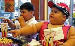 Los niños consumen demasiadas calorías