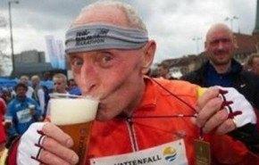 Cerveza: Consumirla de manera moderada no da obesidad