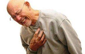 El riesgo cardiovascular se reduce a la mitad al año de dejar el tabaco