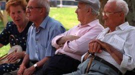 Salir de compras aumentaría esperanza de vida en adultos mayores